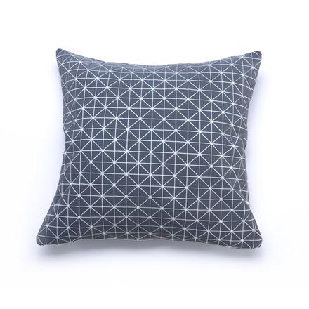 mika barr geo origami kissenbezug 50 x 50 cm grau kissenjunkie. Black Bedroom Furniture Sets. Home Design Ideas