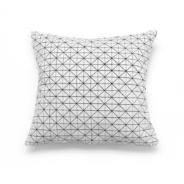 Mika Barr - Geo Origami Kissenbezug, 50 x 50 cm, schwarz/weiß